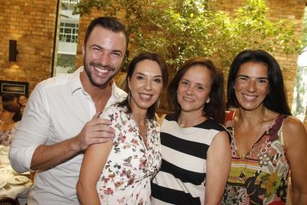 Rodrigo Beze, Esther Schattan,Patrícia Quentel e Vanessa Borges