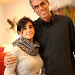 os anfitrioes Luciana Duque e Rodrigo Perroni