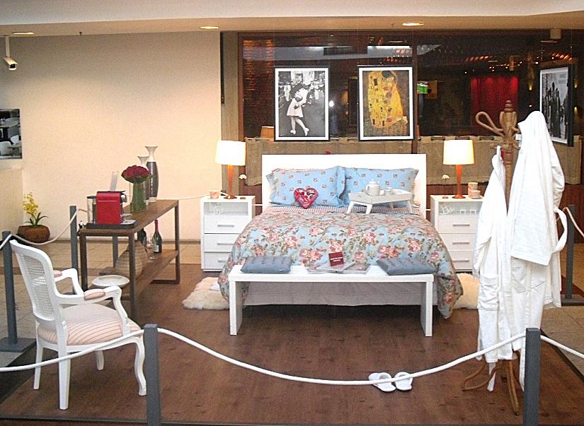 Um quarto romântico no meio do shopping