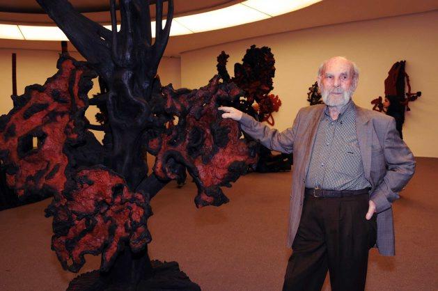 15 anos do MAC com exposição de Frans Krajcberg