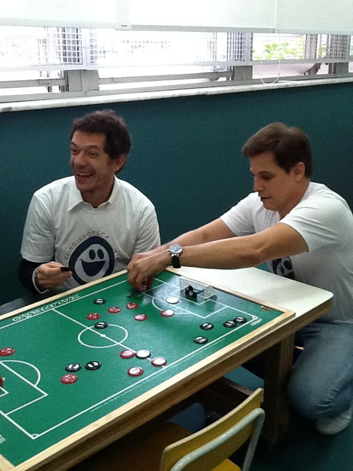 André Piva inaugura Brinquedoteca no Miguel Couto