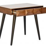 Mesa lateral Bicos assinada pela Em2 Design por 1.626 reais no showroom HETTY GOLDBERG