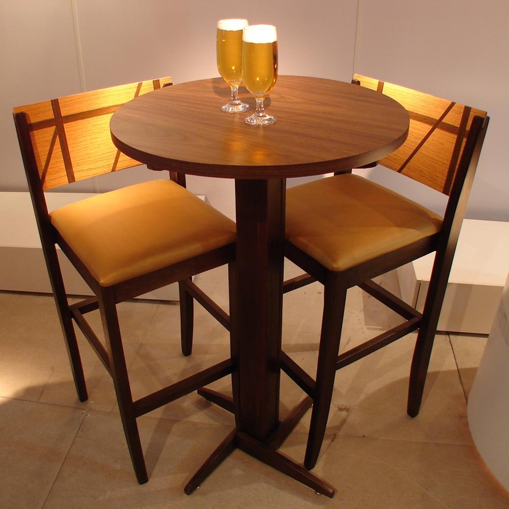 JMO Interiores representa linha de móveis para restaurantes