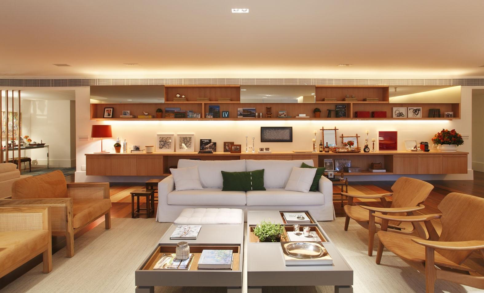 Apartamento elegante e sofisticado assinado por Patricia Carvalho e Adriana Valle