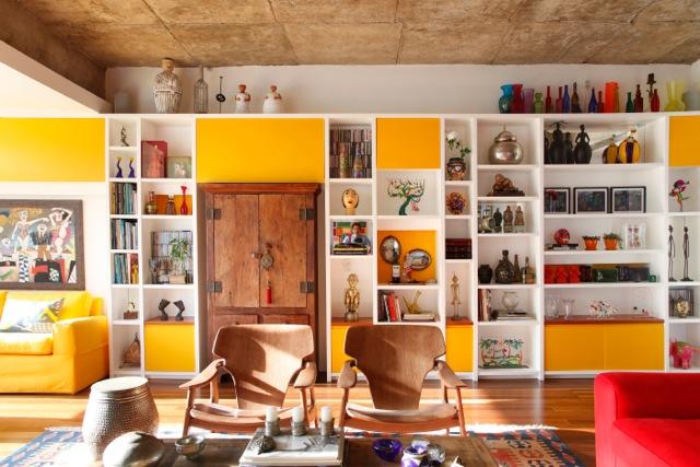 Renata Bartolomeu entrega apartamento cheio de cor e personalidade