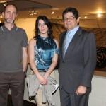 IMG_4362 Sofia Hauser entre Rui Chafes e Carlos Alberto Chateaubriand
