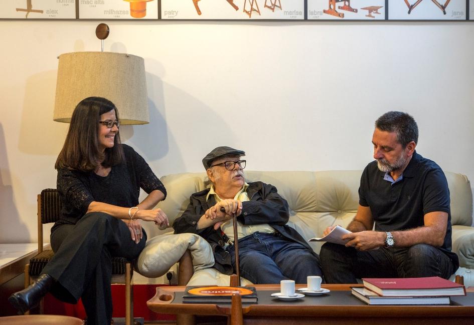 Lia Siqueira e Ivan Rezende lançam livro de memórias e histórias de Sergio Rodrigues