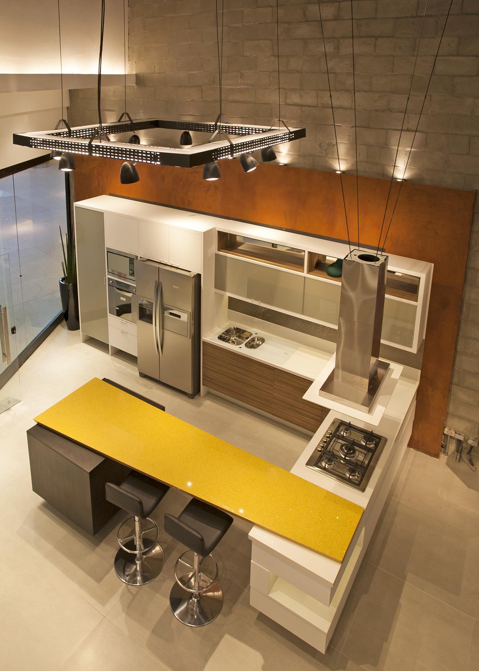 C2N Arquitetura assina loja da Romanzza na Barra