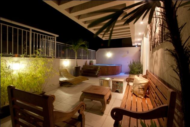 Para relaxar sem sair de casa, elementos de spas ganham as residências