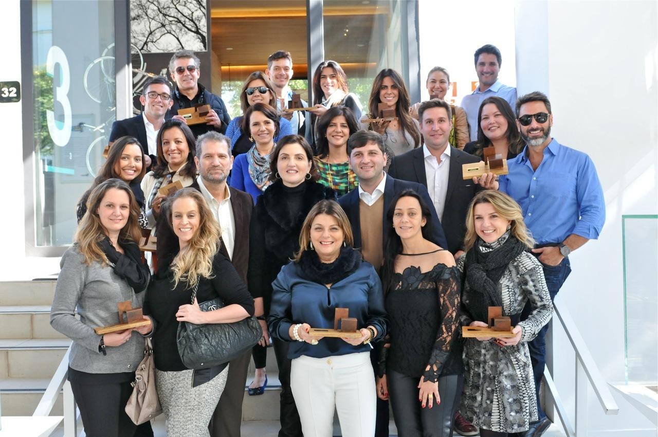 Orlean fecha o Museu do Louvre para arquitetos brasileiros