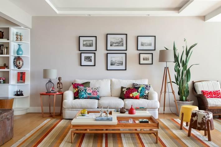 Bianca da Hora assina projeto de reforma e decoração de um apartamento na praia do Flamengo sob medida para um casal maduro de alma jovem