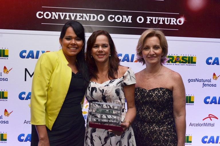 Madeirol ganha troféu de Melhor Fornecedor de Móveis Planejados
