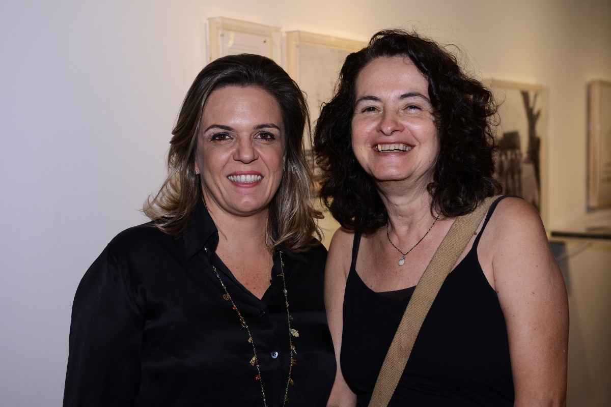 """Falso Movimento"" na Galeria Luciana Caravello"