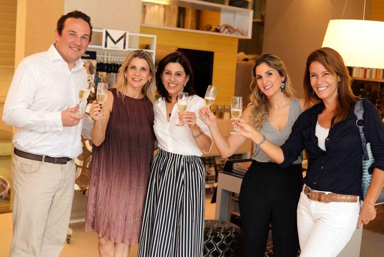 Guilha recebe profissionais no lançamento da coleção 2015