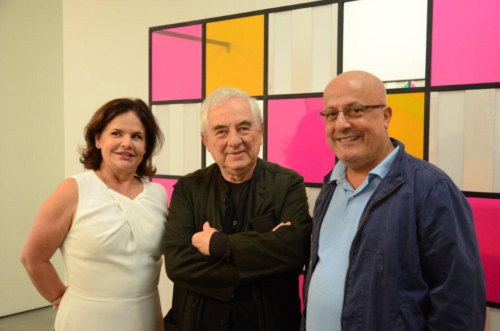 Galeria Nara Roesler recebe exposição de Daniel Buren
