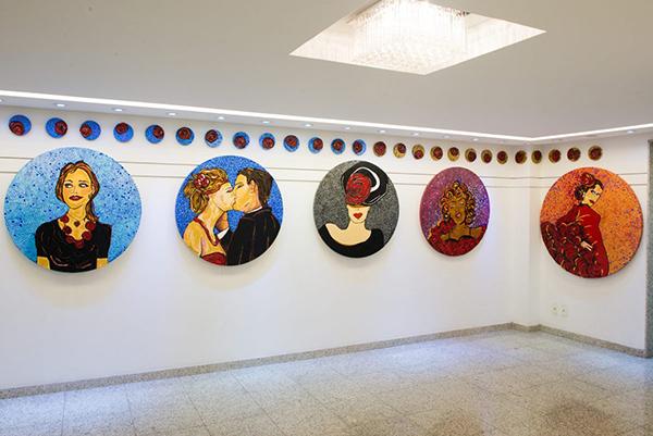 """Solange Palatnik inaugurou a exposição """"Ora, Bolas!"""", ontem na Galera Marly Faro, em Ipanema"""