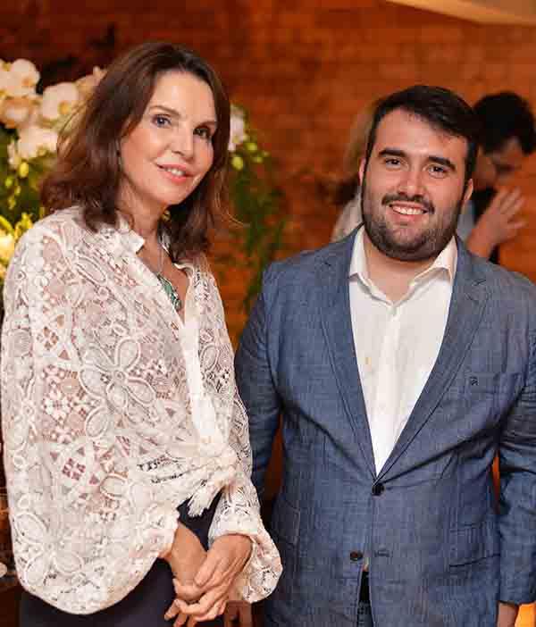 Raphael Costa Bastos recebe convidados no lançamento de sua nova marca no Duo