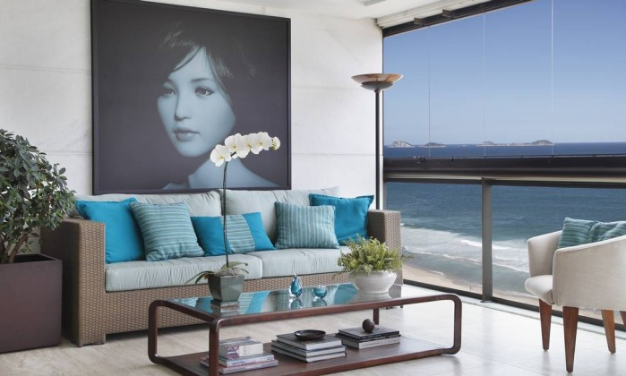 Obra em apartamento integra espaços e destaca a arte