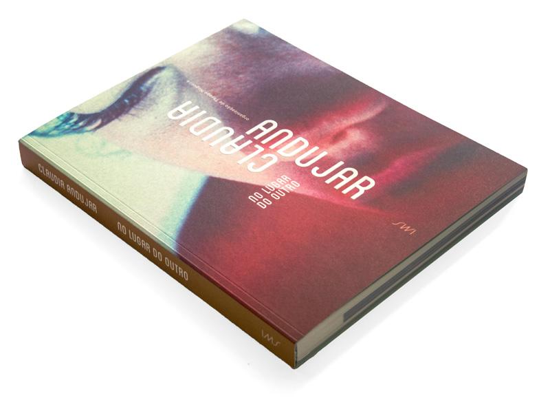 Instituto Moreira Salles lança catálogo bilíngue de exposição