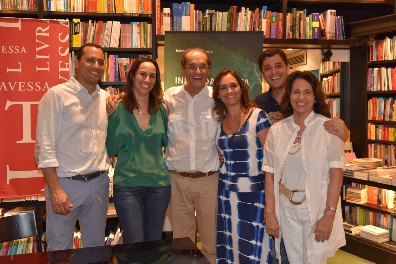 Profissionais de arquitetura prestigiam lançamento de livro de Indio da Costa
