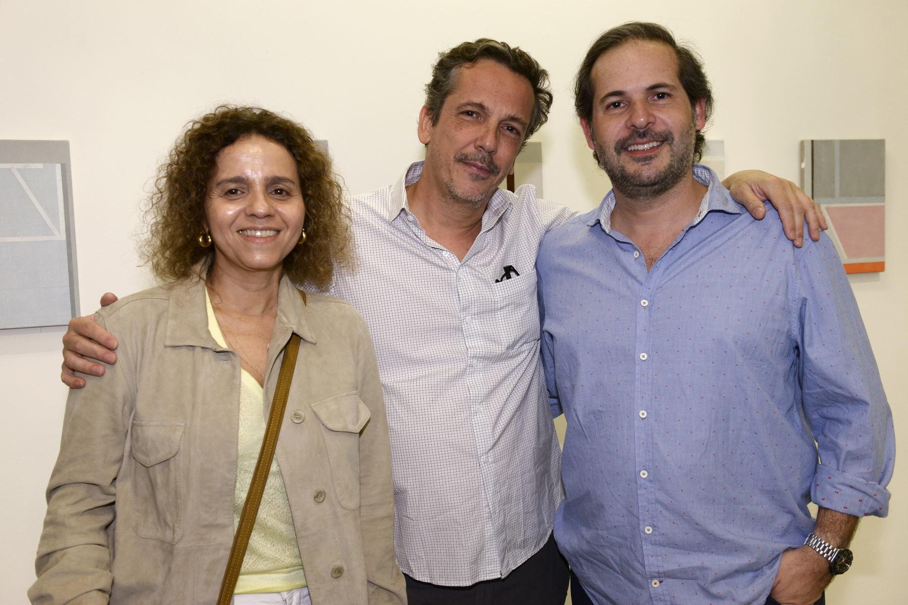 Galeria Nara Roesler abre exposição de Fabio Miguez