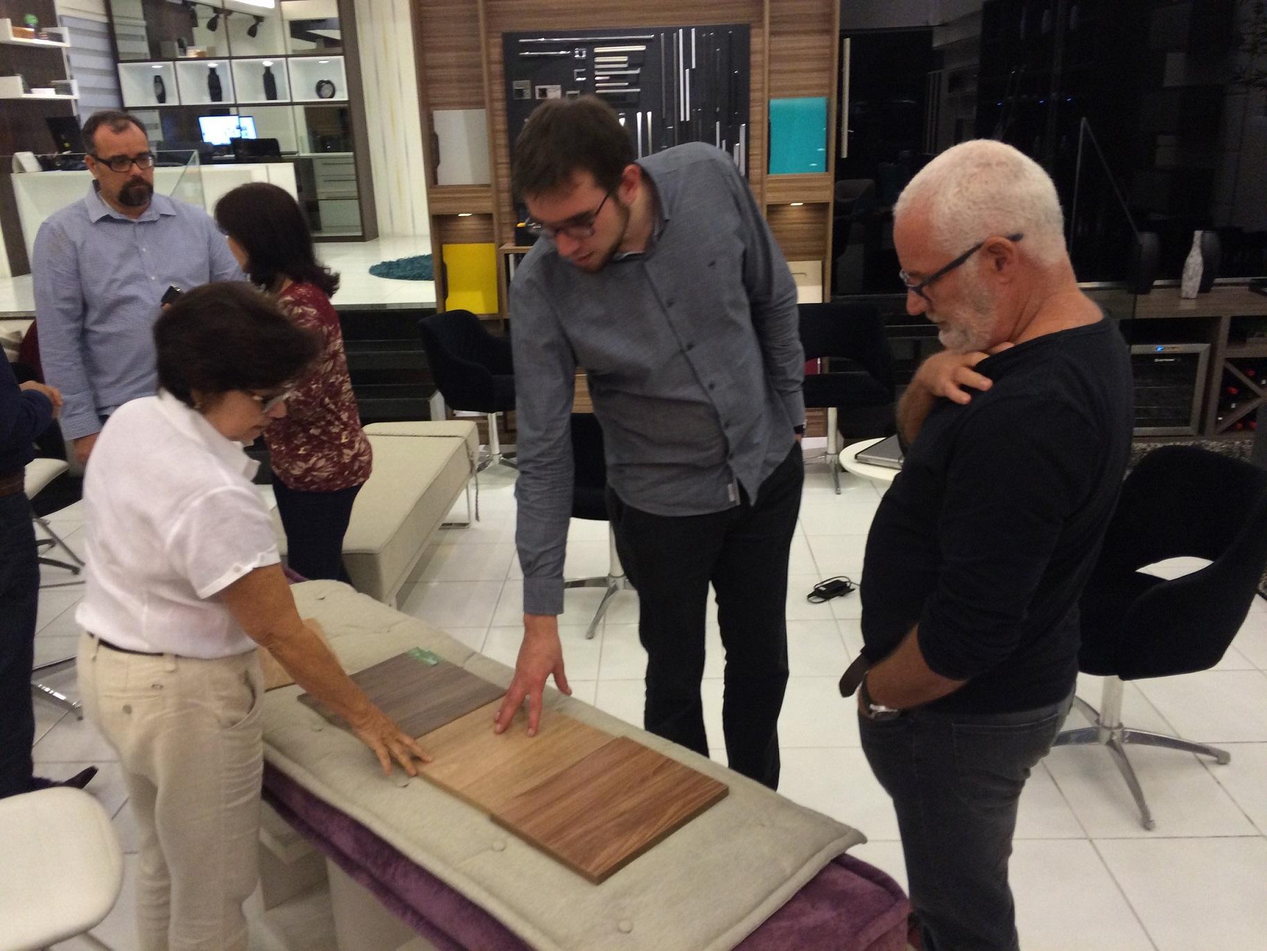 Chá de tendências – O designer Rodrigo Zen ministra workshop na Romanzza Niterói