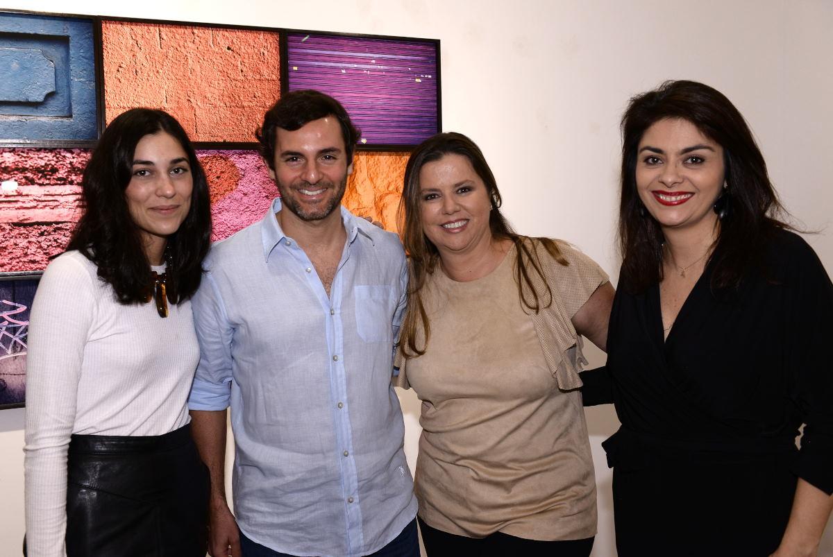 Abertura da exposição do artista Fabiano Al Makul, na Um Galeria de Arte