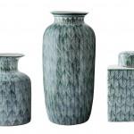 Coleção de vasos e potiches de cerâmica com estampa de folhas estilizadas da ROSA KOCHEN