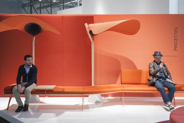 Escritórios do futuro no Salão de Milão