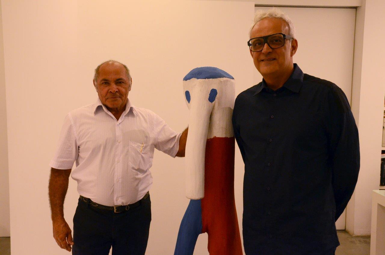 Véio mostra esculturas na Gustavo Rebello Arte