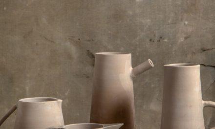 """Denise Stewart lança """"O tempo da cerâmica"""""""
