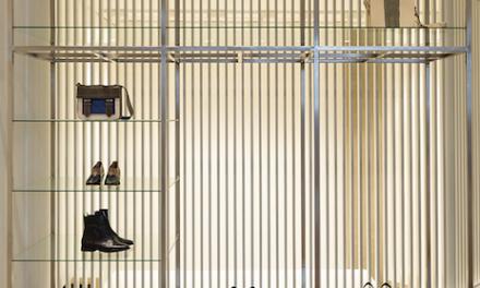 Escritório Urbhá Arquitetura assina projeto sofisticado e atemporal para prestigiada loja de roupas femininas