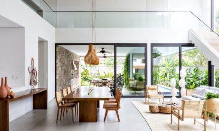 Os escritórios Rua 141 + Zalc Arquitetura assinam o projeto da Casa NK, no Guarujá