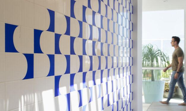 Alexandre Bianco assina espaço gourmet com clima de sala íntima, na zona oeste do Rio