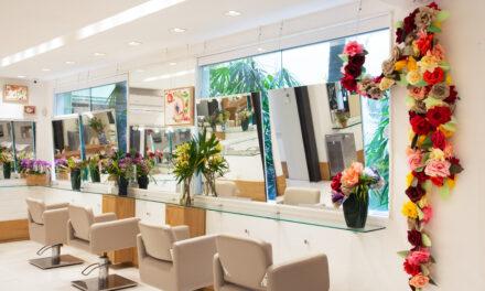 Crystal Hair celebra a chegada da primavera com intervenções artísticas dentro do salão e coquetel da Tidelli no Jardim