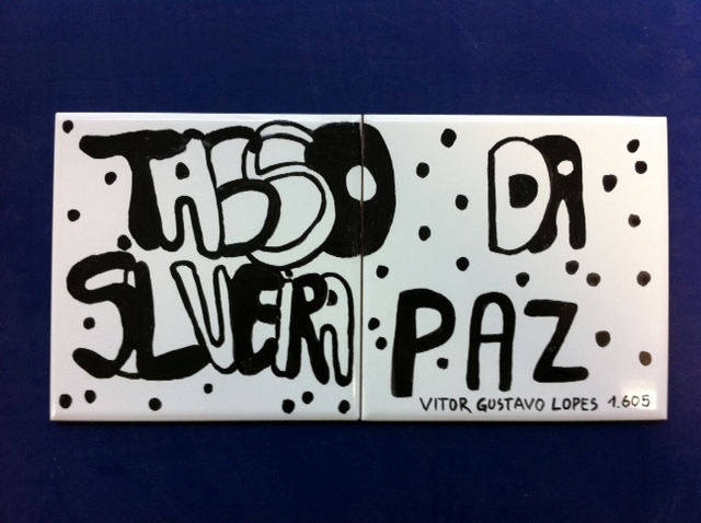 Painel de azulejos na Escola Tasso da Silveira