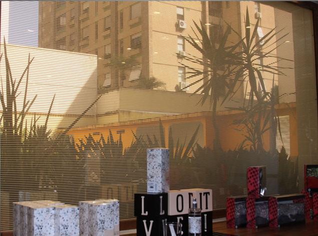 Paula Bergamin faz paisagismo de loja assinada por Bel Lobo e Bob Neri