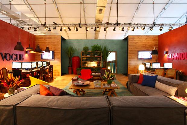 Lounge da Vogue/Glamour no Fashion Rio assinado pela Escala arquitetura
