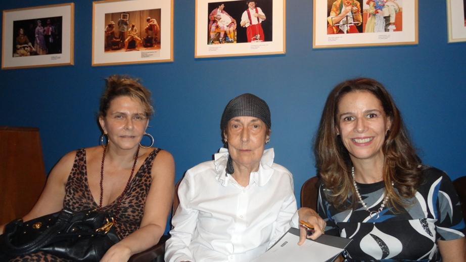 Lançamento do livro-arte da artista plástica Wanda Pimentel