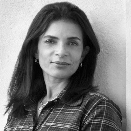 Entrevista com Emmilia Cardoso