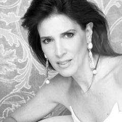 Entrevista com Claudia Souza Santos