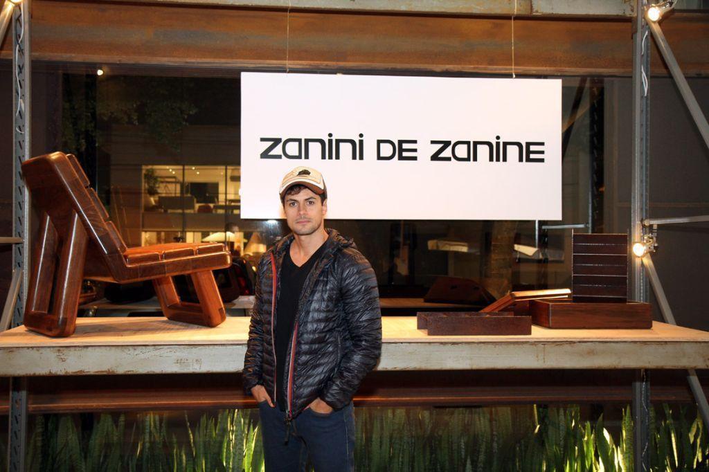 Zanini de Zanine expõe na Firma Casa