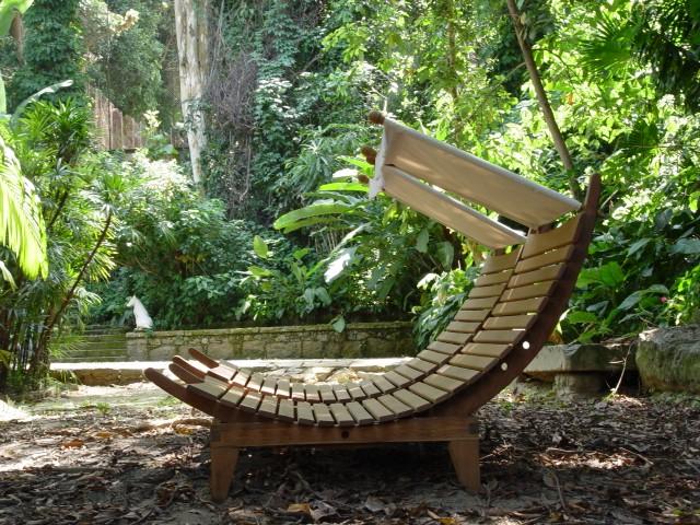 Tamanduá Bandeira oferece móveis ecológicos inspirados no estilo de vida carioca