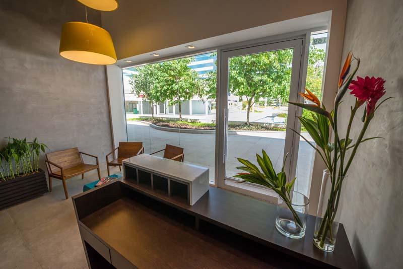 Viviane De Pinho Arquitetura apresenta projeto de empresa na Barra