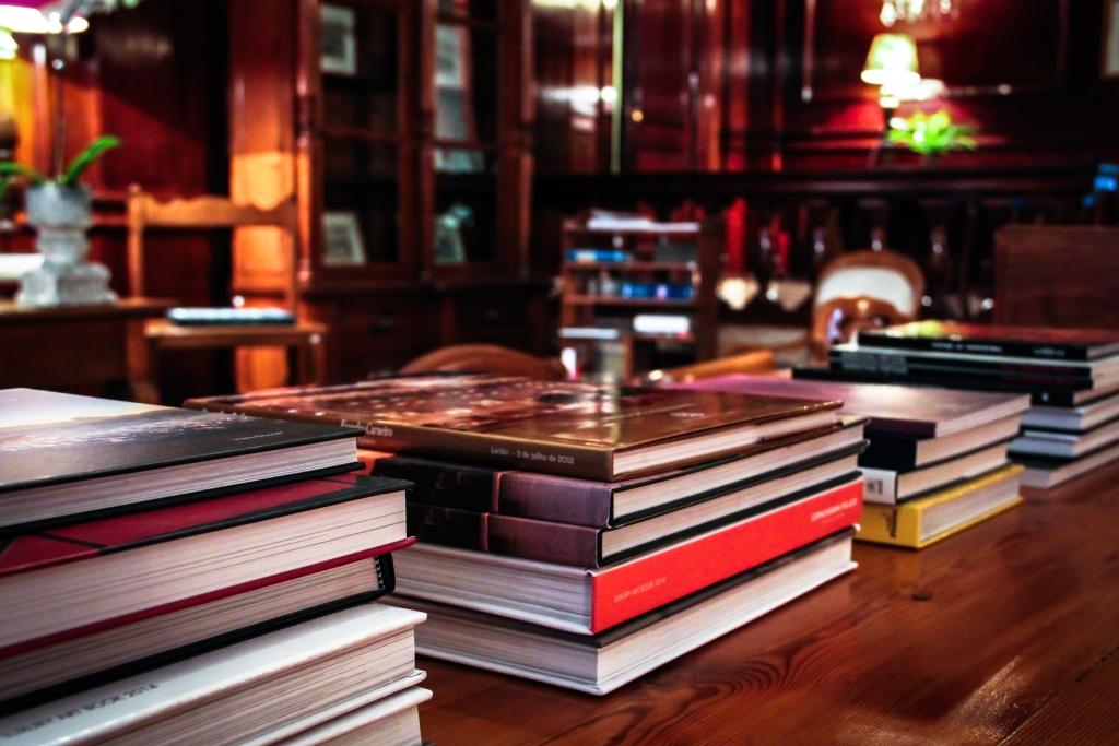 Arnaldo Danemberg monta livraria no hall do Copacabana Palace