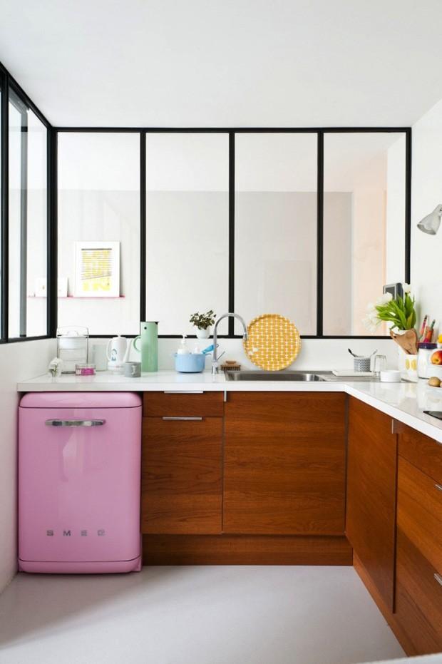 Décor do dia: geladeira pink na cozinha