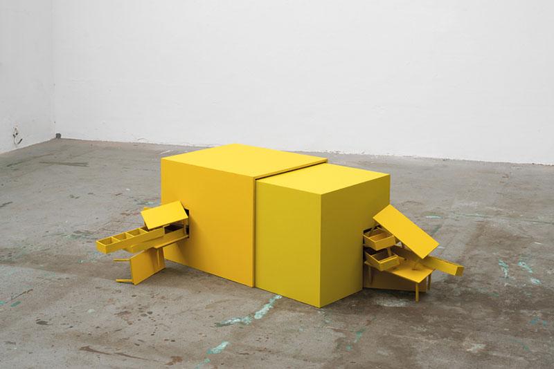 A Mostra Casa Cidade Mundo reúne obras de 57 artistas em torno da arte e arquitetura
