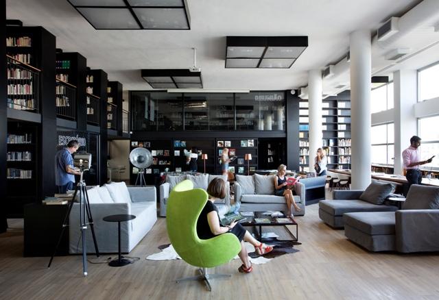 Biblioteca da Maison de France modernizada