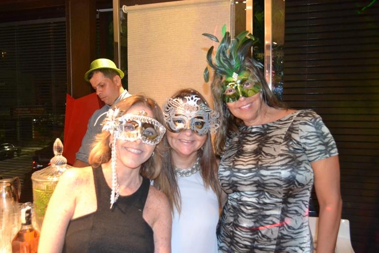 Uniflex Niterói promove Baile de Máscaras