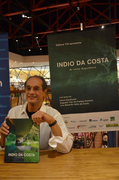 Noite de lançamento do livro do arquiteto Luiz Eduardo Índio da Costa